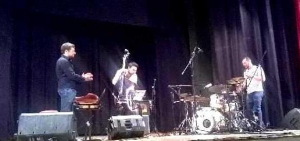 Un momento del concerto di Phil Maturano a Taranto