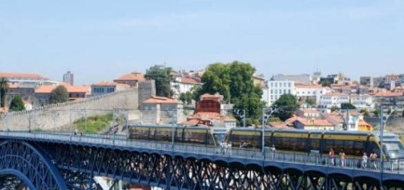 Metro do Porto aberto 24 horas por dia