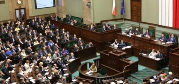 Posłowie podczas głosowania /fot. sejm.gov.pl