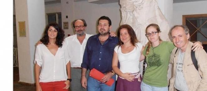Manjavacas (2ª  por la izq) con más investigadores