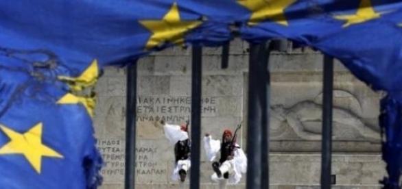 Grecia obligată să-și restituie datoriile!