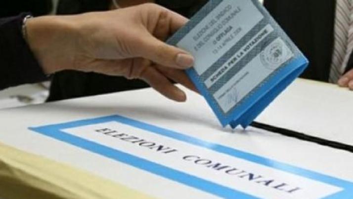 Intenzioni di voto Demos, solo 6 punti dividono Pd da M5S