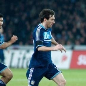 Argentina e Paraguai jogam hoje as meias-finais