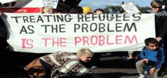 Problemem jest traktowanie uchodźców jak problem.