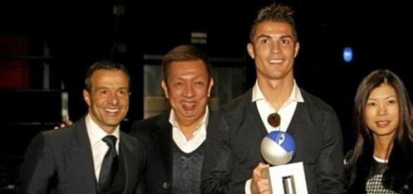 Ronaldo com Jorge Mendes e Peter Lim