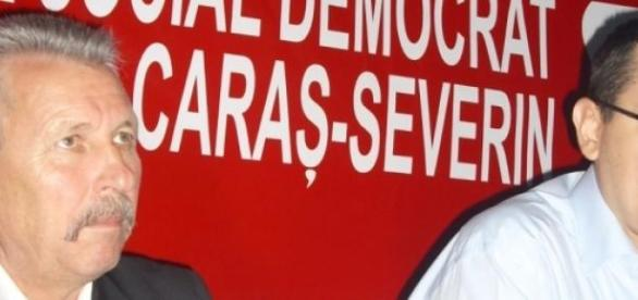 Victor Ponta adoptă discursul lui N Ceauşescu
