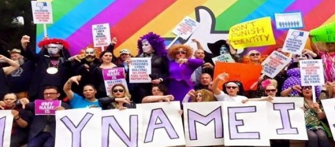 Protestující na protifacebookové kampani