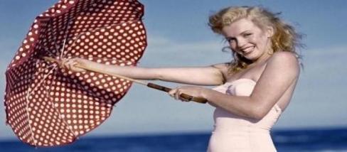 Marilyn Monroe a tengerparton