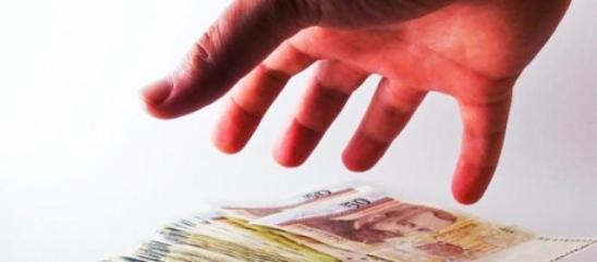 ANAF umblă la economiile românilor