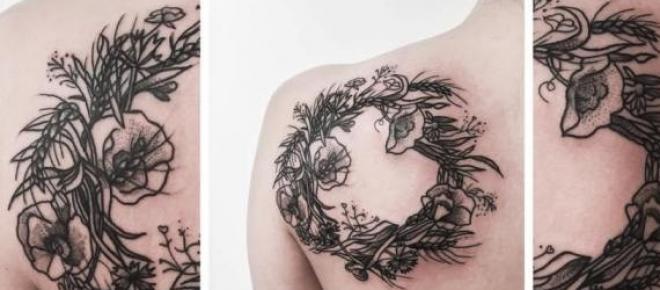 Tatuaż zaprojektowany i wykonany przez Barbarę Judę, pracującą w Dirty Lust Studio.