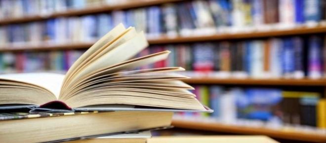 Pesquisa da Fecomercio do Rio de Janeiro indicou que apenas sete em cada dez brasileiros leu algum tipo de livro no ano de 2014. Levantamento foi feito em várias cidades.