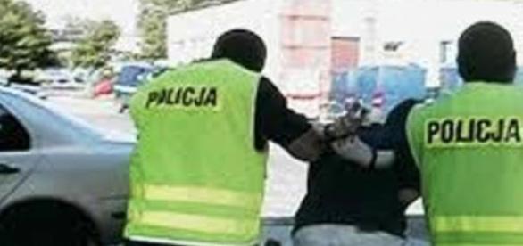 Zatrzymani policjanci bili przesłuchiwanych