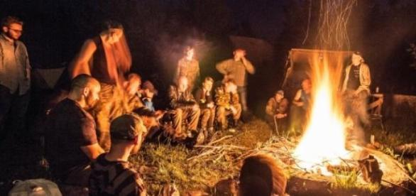 Podczas awarii przy ogniu kwitnie życie