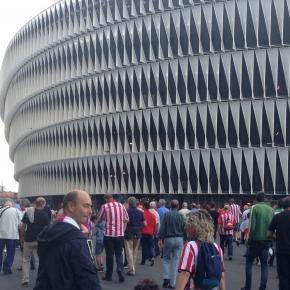 La afición acudió a ver al Athletic en su estreno