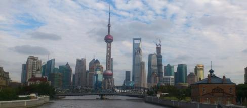La skyline di Shanghai simbolo dell'ascesa cinese