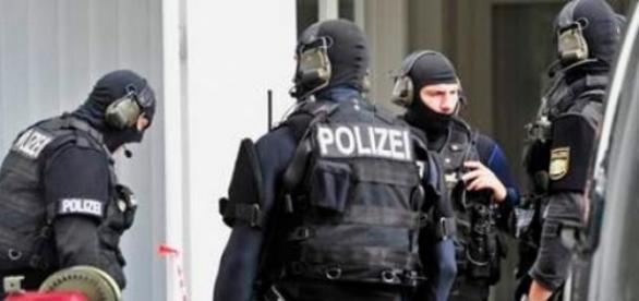 Infractorii români au îngrozit Germania şi Austria