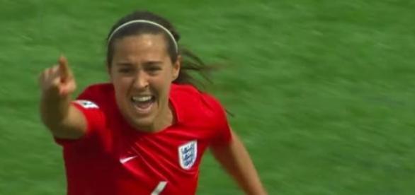 Fara Williams celebra o único golo do jogo