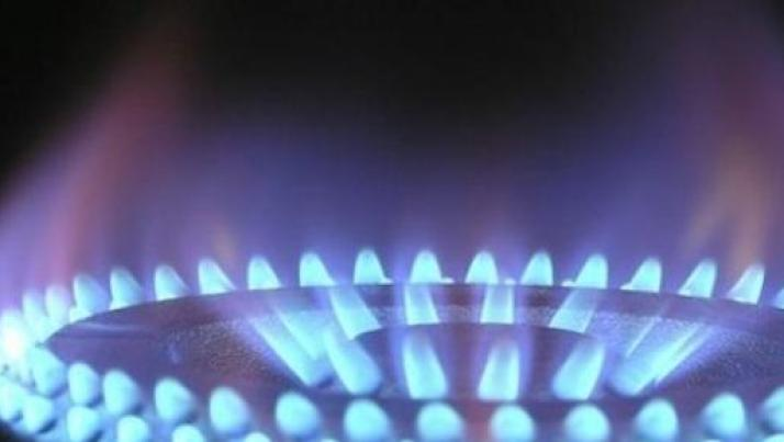 Bollette luce e gas tra assicurazioni e debranding, ecco le ultime novità per i clienti