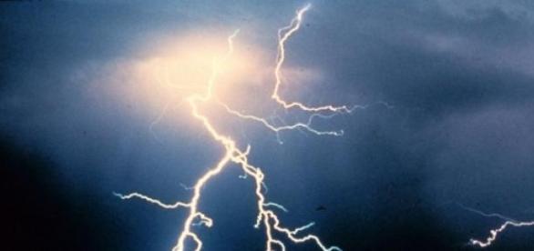 Sommer 2015: Blitzeinschläge bei Hitzegewittern