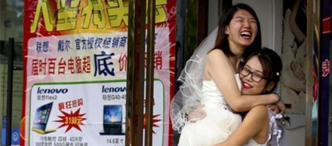 Teresa Xu et Li TingTing se sont mariées à Pékin.