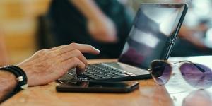 Zarabienie na pisaniu tekstów. Fot. Pexels