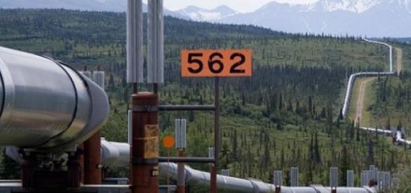 Impresionanta conductă petrolieră Trans-Alaska