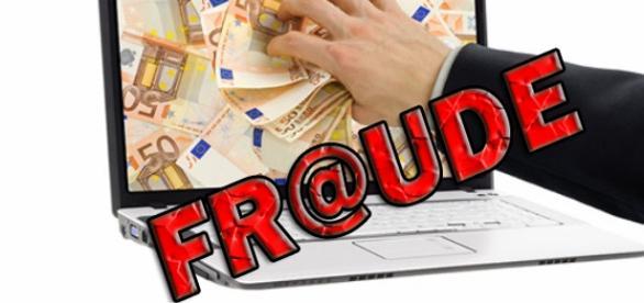 Fraude online em esquema piramidal