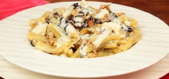 Casarecce gorgonzola radicchio e noci