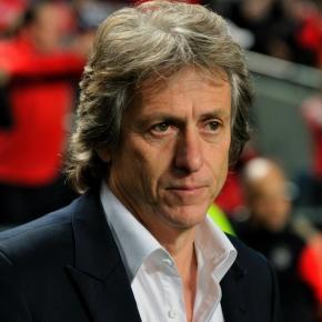 O Benfica vai processar o seu ex-treinador