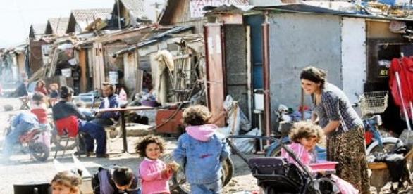 Rromi în mahalaua Samaritean din Paris
