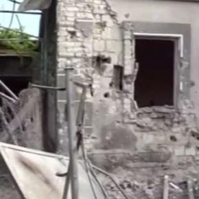 Casă bombardată în estul Ucrainei