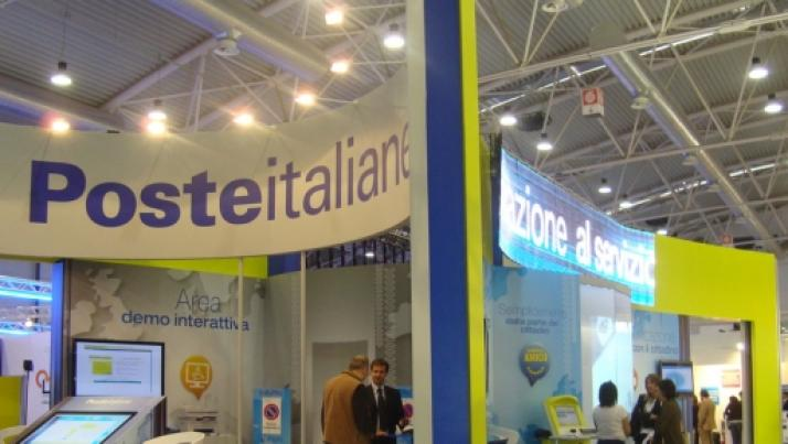 Poste Italiane chiudono gli sportelli più piccoli, raffica di aumenti in vista