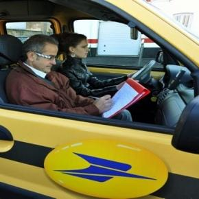 Touche pas à ma Poste ! - Page 3 Les-voitures-de-la-poste-et-le-permis-de-conduire_385137