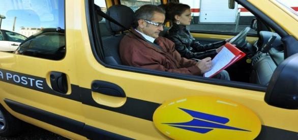 Les voitures de la Poste et le permis de conduire