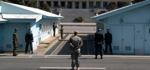 Graniţa militarizată dintre Coreea de Nord şi Sud