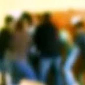 Teroare la liceu. Elevi amenintati cu arma