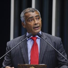 O senador Romário, autor do Projeto de Lei 64/2015