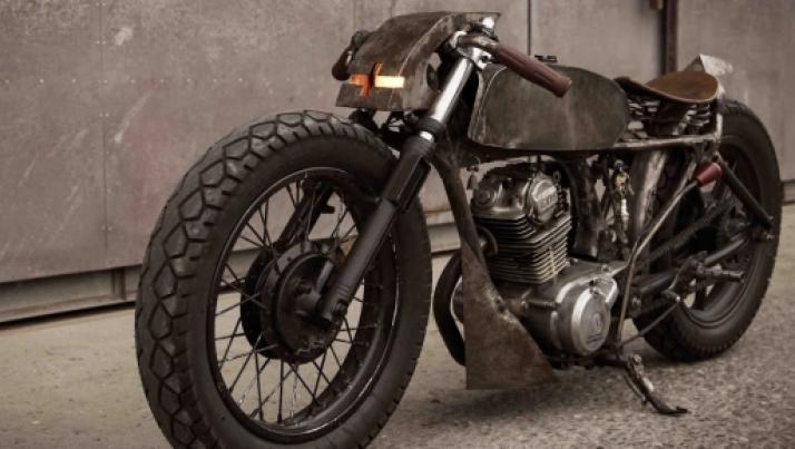 Honda CB125 by Valen Zhou, l'essenza della moto realizzata da un fotografo cinese
