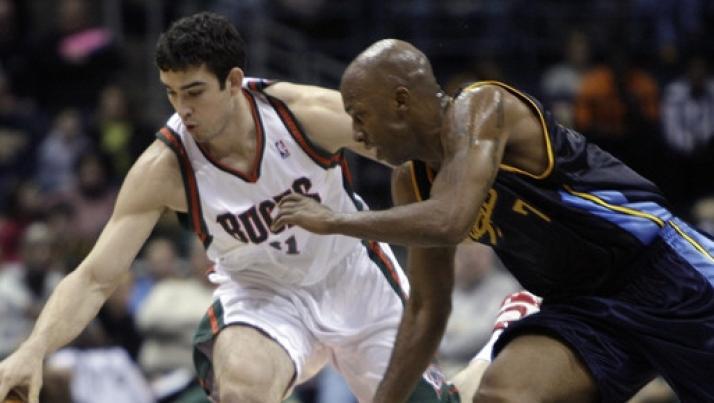 Basket,serie A: Sassari annuncia Joe Alexander, Pesaro ufficializza DJ Shelton.