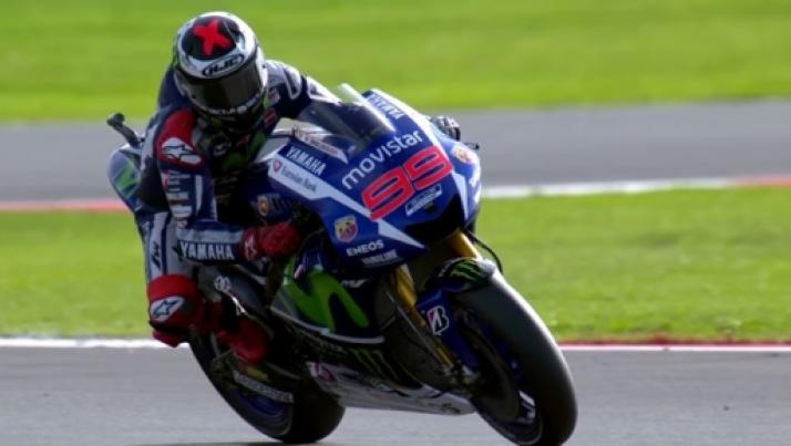 Risultati Motogp oggi 30 agosto: Marquez cade e Lorenzo fuori dal podio