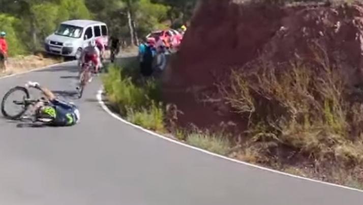 La spettacolare caduta di Rojas alla Vuelta, ecco il video