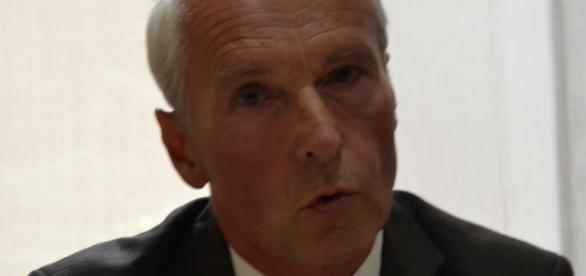 Chefarzt Dr. Ingo Arnold, Rotes Kreuz KH Bremen