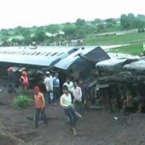 Imagini surprinse la locul catastrofei din India
