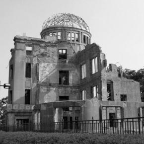 Hiroszima została niemal zrównana z ziemią.