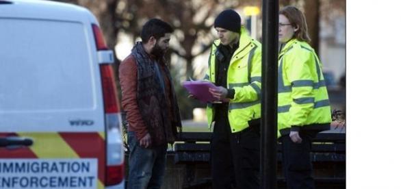 Poliţia britanică verifică situaţia clandestinilor
