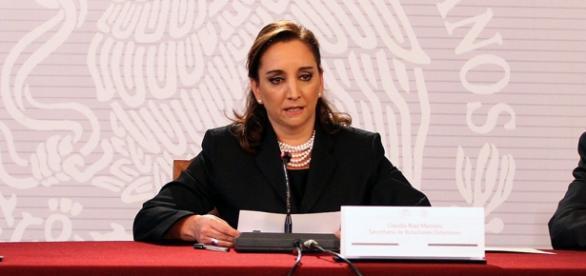 Claudia Ruiz Massieu en conferencia de prensa.