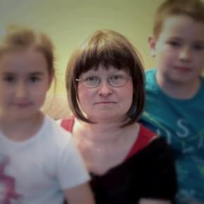 Anna Starowicz z dziećmi (siepomaga.pl)