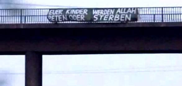 Banner musulman în Germania la vedere