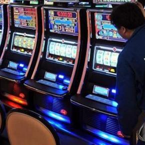A pierdut toţi banii la jocuri de noroc