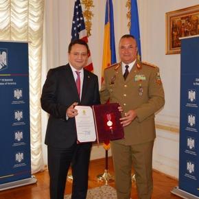 George Maior, ambasadorul român în SUA, decorat